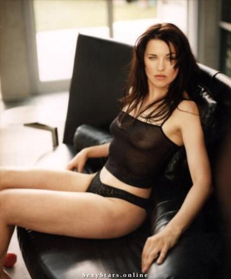 Lucy Lawless nude. Photo - 6