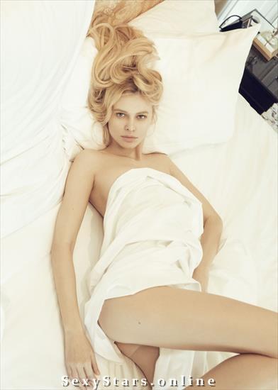 Алиша Ручала голая. Фото - 15