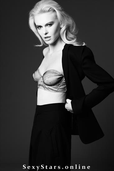 Алиша Ручала голая. Фото - 3