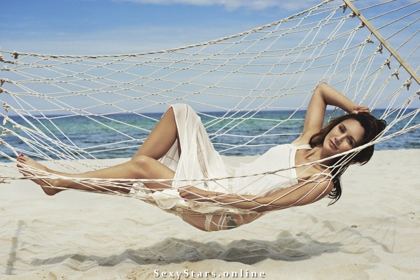 Илона Островска голая. Фото - 14