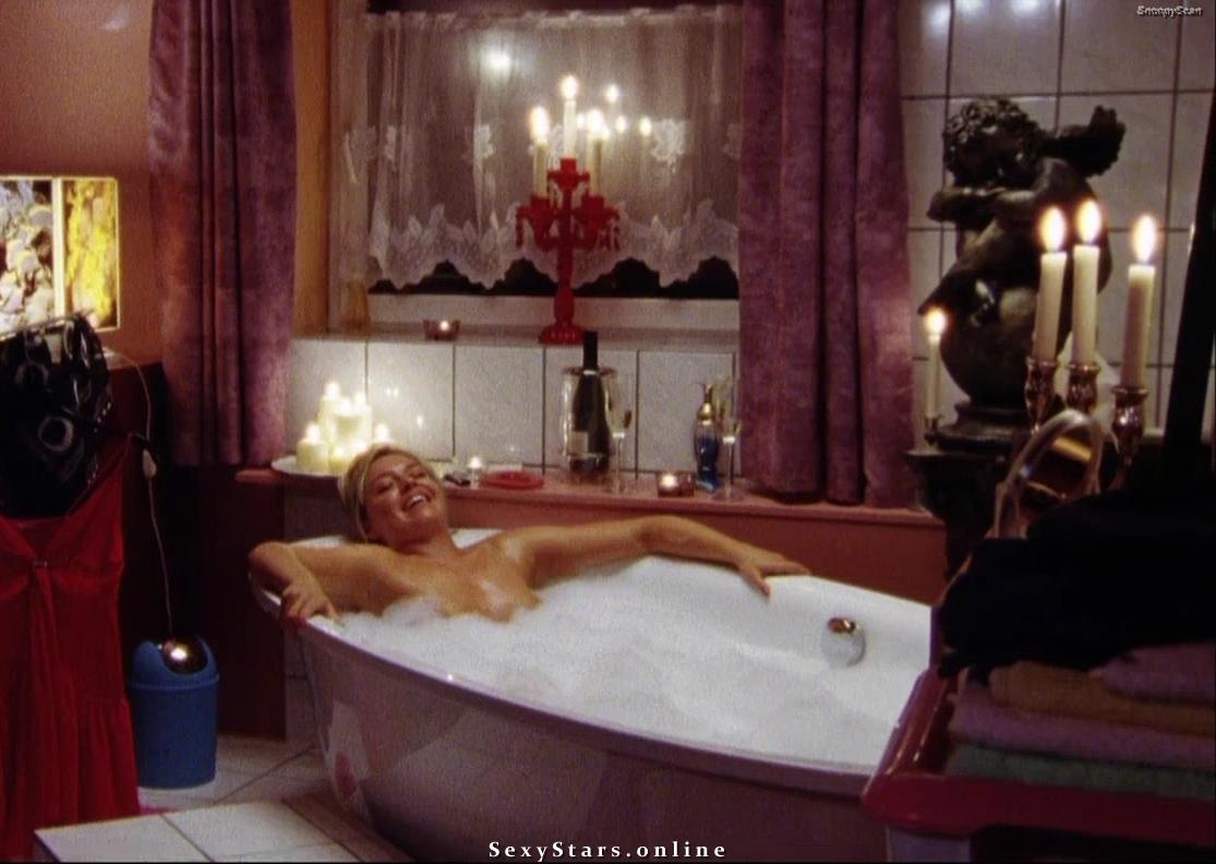 Karolina Lodyga nahá. Fotka - 17