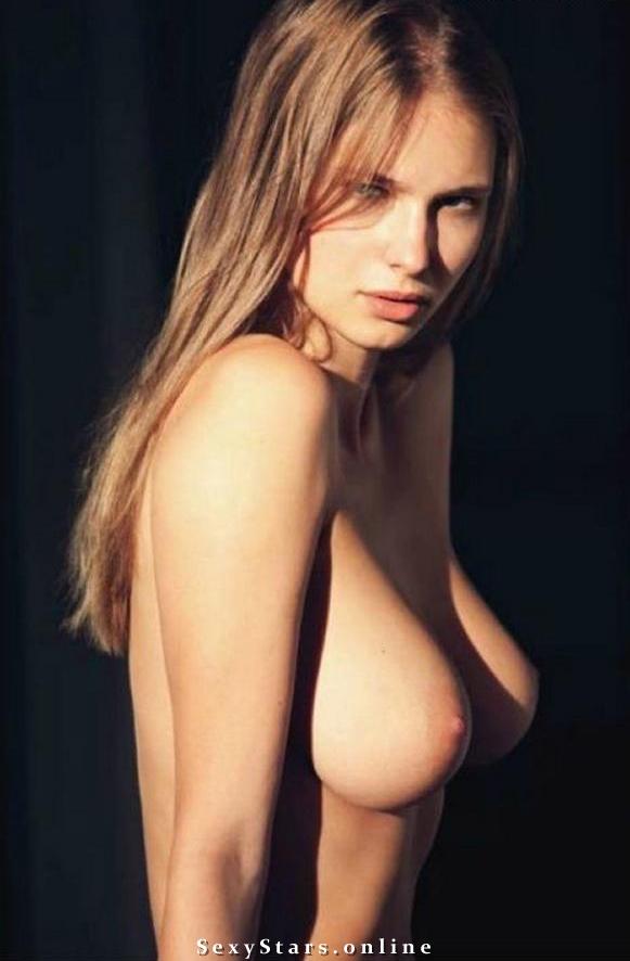Каролина Шимчак голая. Фото - 4