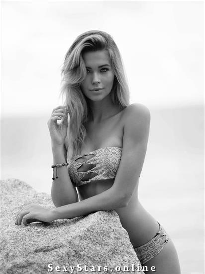 Сандра Кубика голая. Фото - 1