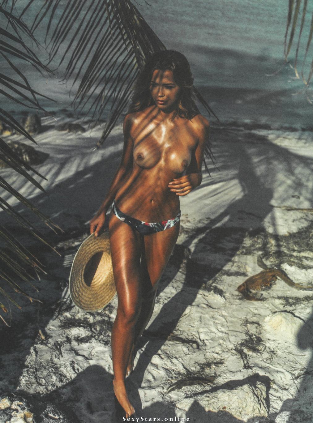 Сандра Кубика голая. Фото - 23