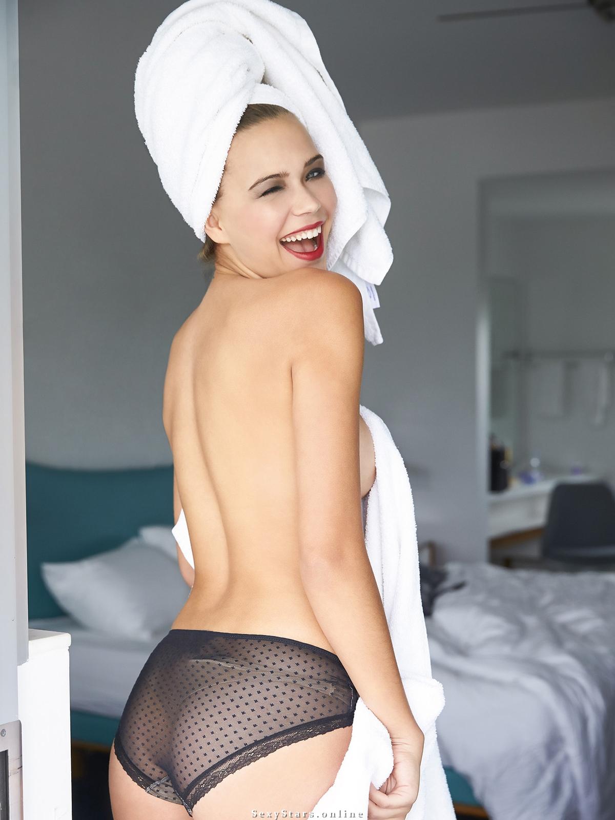 Сандра Кубика голая. Фото - 57