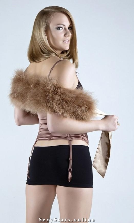 Александра Саитова голая. Фото - 9