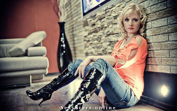Алина Сандрацкая голая. Фото - 3