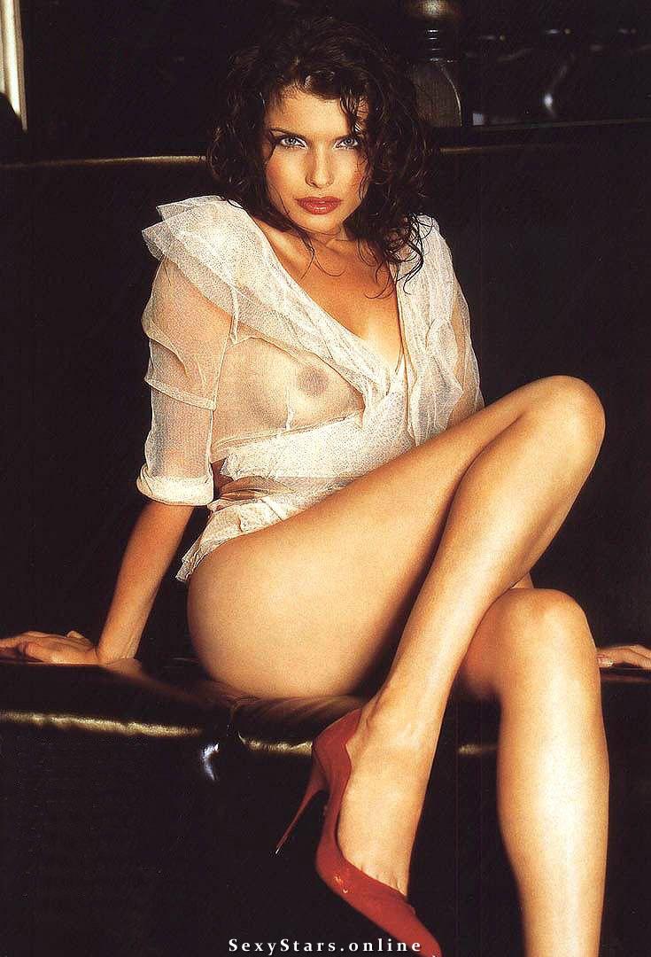 Анна Азарова голая. Фото - 1