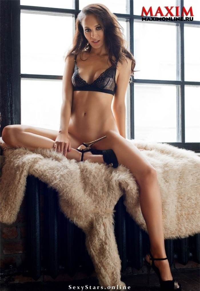 Анна Калашникова голая. Фото - 4