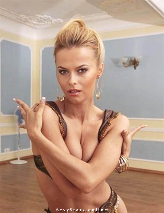 Анна Лутцева голая. Фото - 5