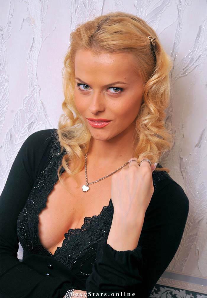 Анна Лутцева голая. Фото - 6