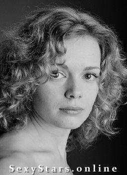 Анна Миклош голая. Фото - 2