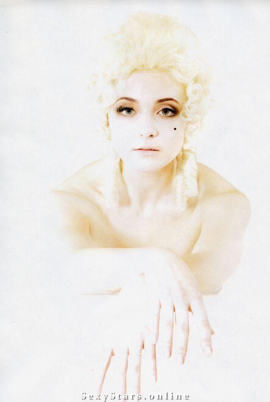 Анна Снаткина голая. Фото - 6