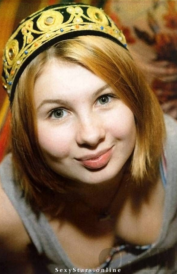 Анна Цуканова голая. Фото - 4