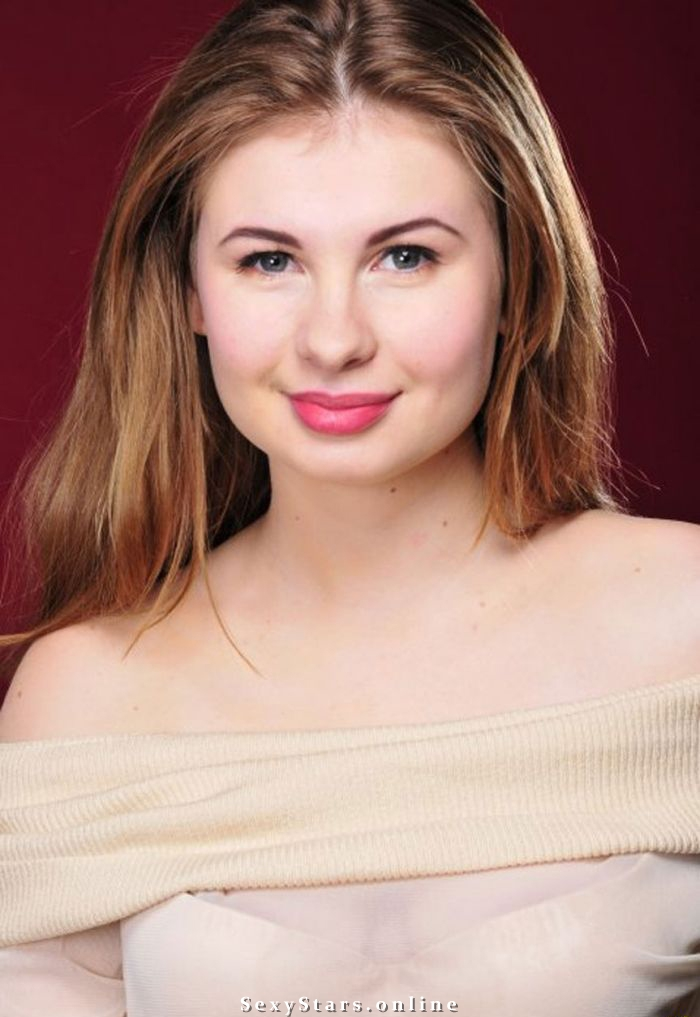 Анна Цуканова голая. Фото - 6