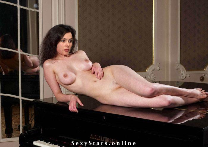 Екатерина Андреева голая. Фото - 1