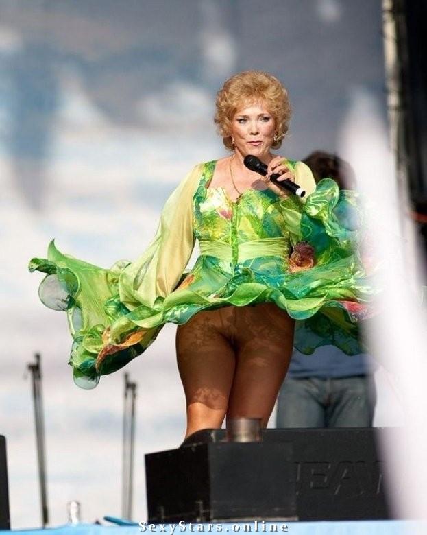 обнаженный засвет русских певиц