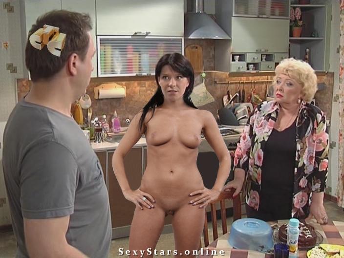 voronini-golie-v-posteli