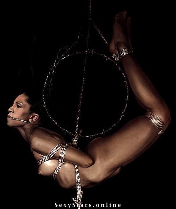 Елена Ханга голая. Фото - 8