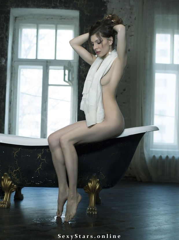 Елена Подкаминская голая. Фото - 4
