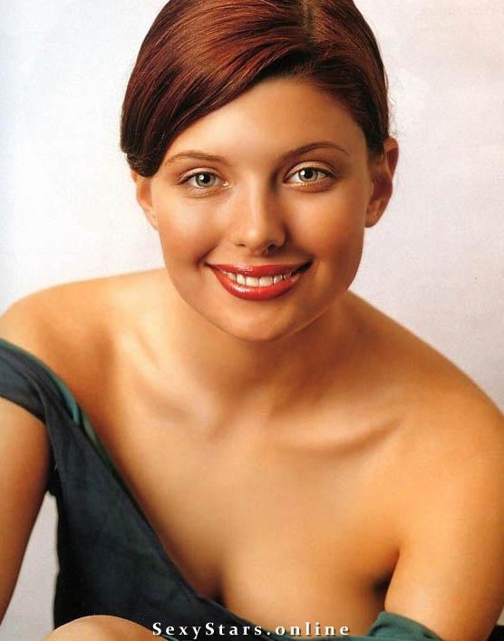 Эмилия Спивак голая. Фото - 1