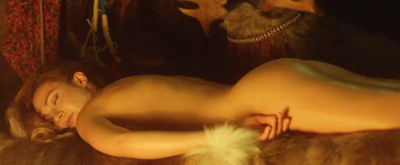 Евгения Брик голая. Фото - 17