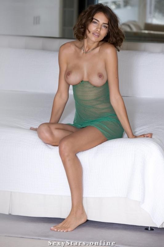 Ирина Шейк голая. Фото - 17