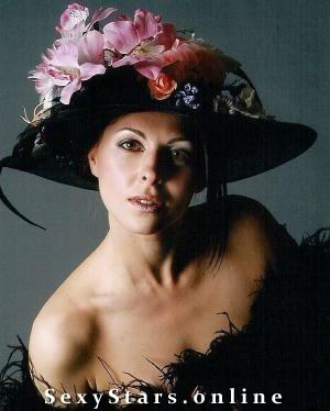 Ирина Сотикова голая. Фото - 1