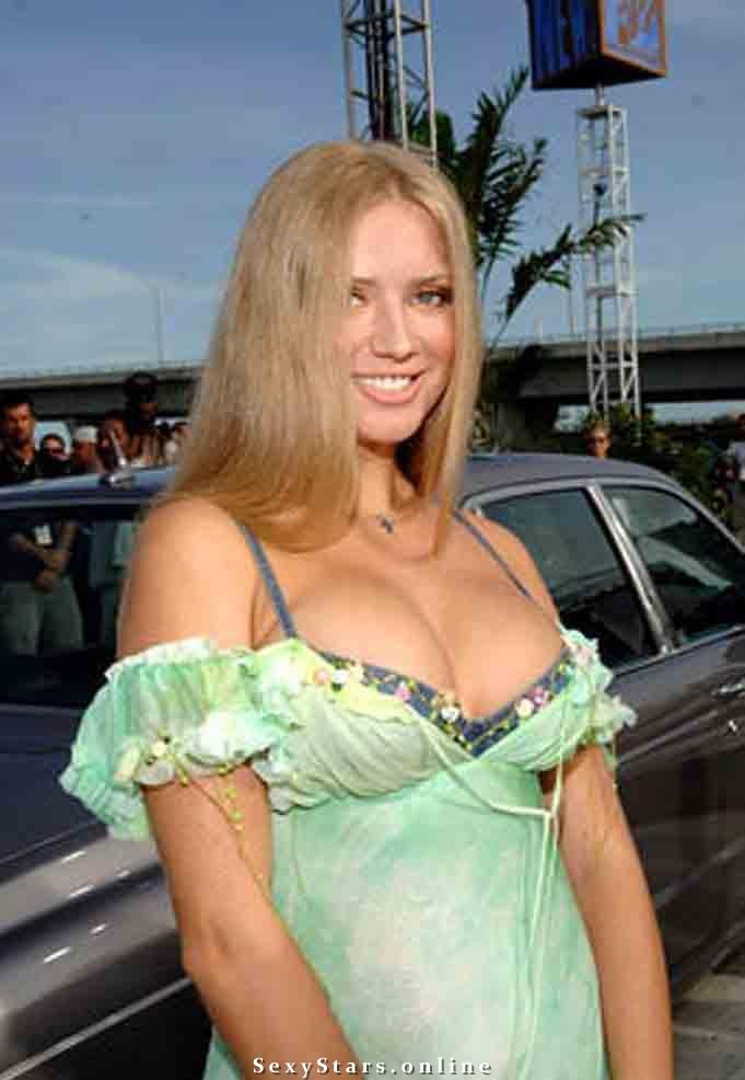 Юлия Ахонькова голая. Фото - 2