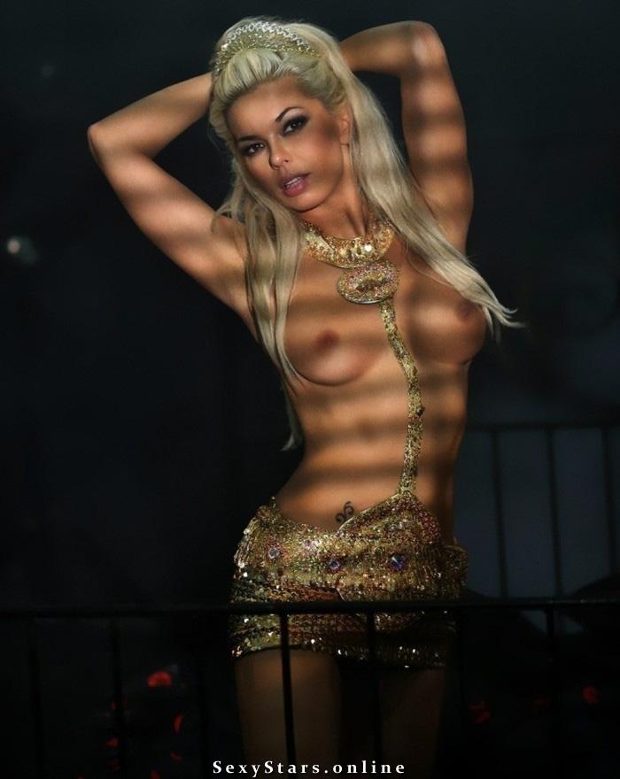Карина Зверева голая. Фото - 3