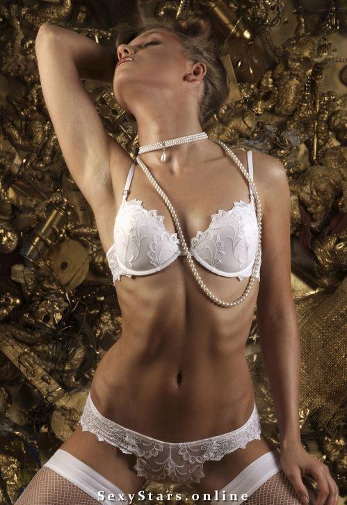 Кристина Асмус голая. Фото - 2