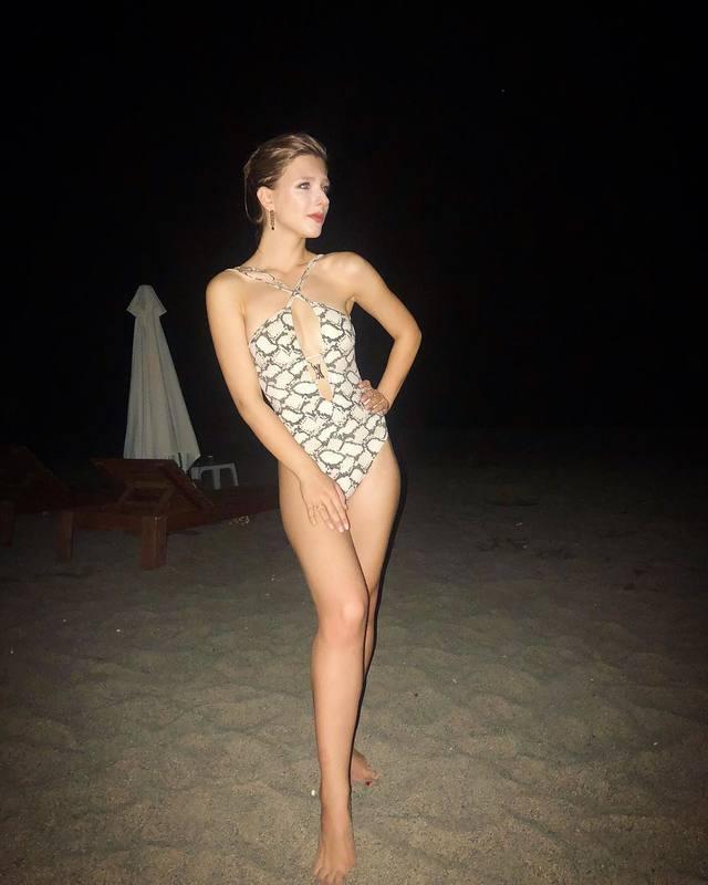 Лиза Арзамасова голая. Фото - 7