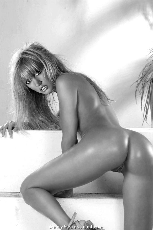 Маша Малиновская голая. Фото - 32