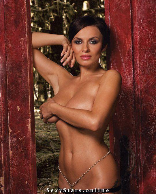 Фото голых певиц виагра, девушка с большими грудями и ее парень секс
