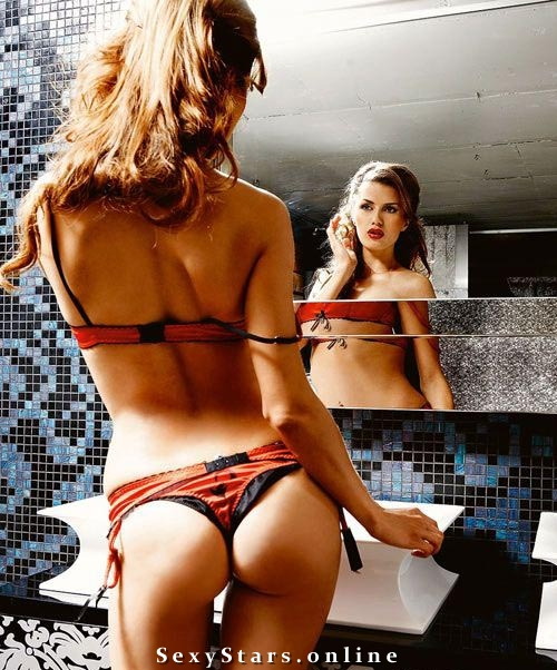Виктория Боня голая. Фото - 9