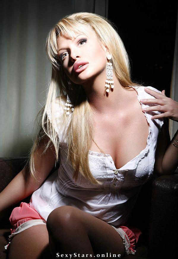Виктория Лопырева голая. Фото - 4