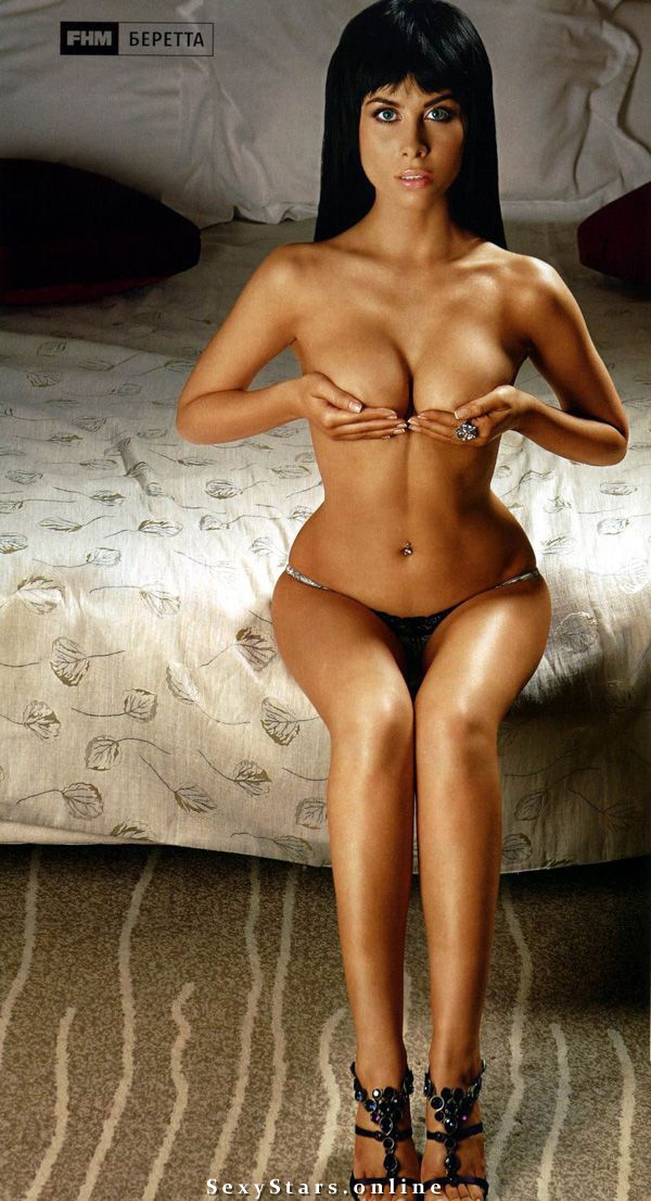 Юлия Беретта голая. Фото - 11