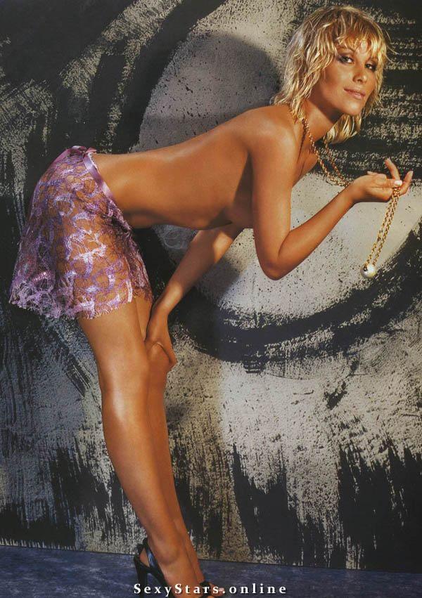 Юлия Беретта голая. Фото - 16