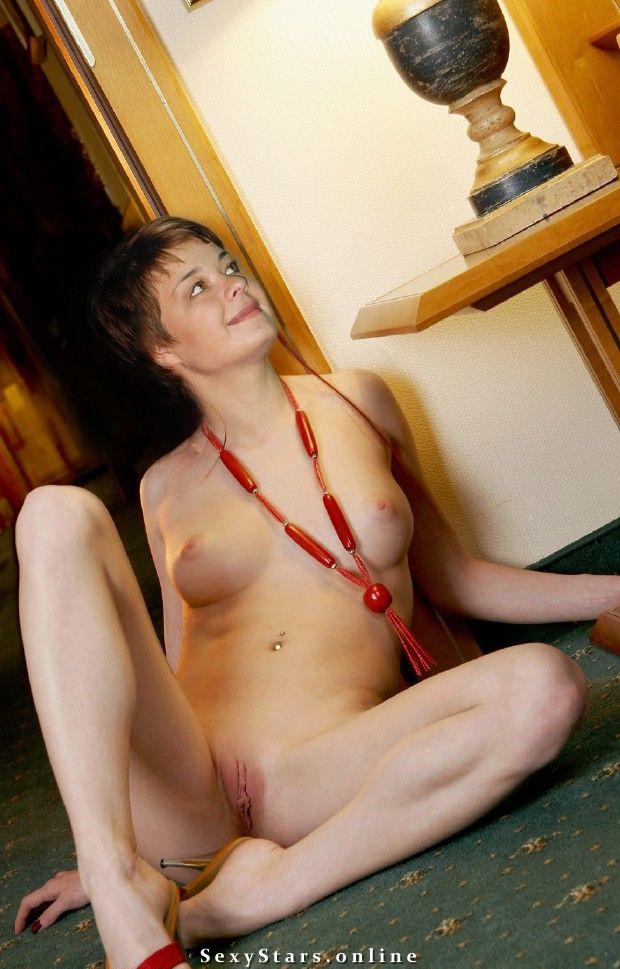 Юлия Захарова голая. Фото - 13