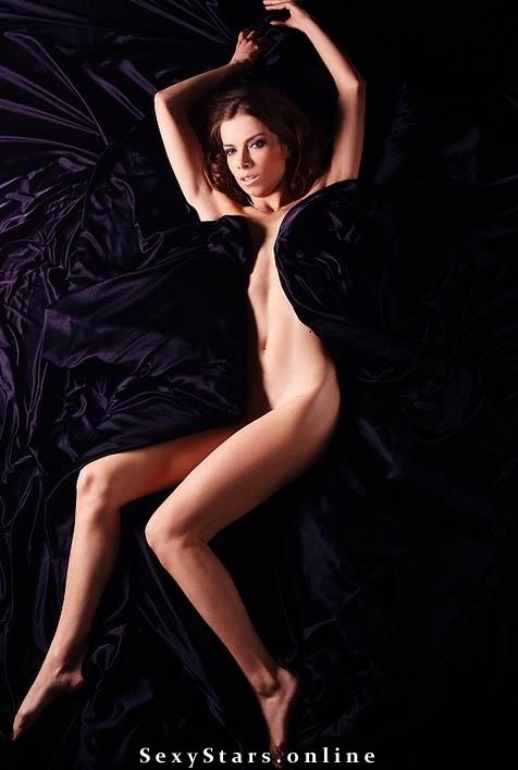 Юлия Учиткина голая. Фото - 3