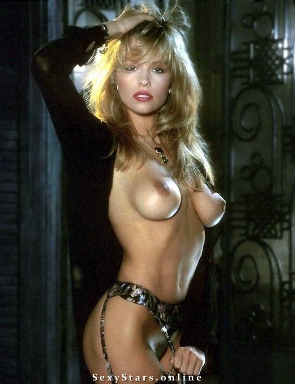 Памела Андерсон голая. Фото - 100