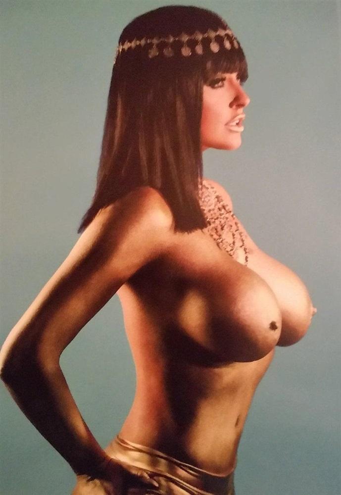 Эбигейл Рэчфорд голая. Фото - 1