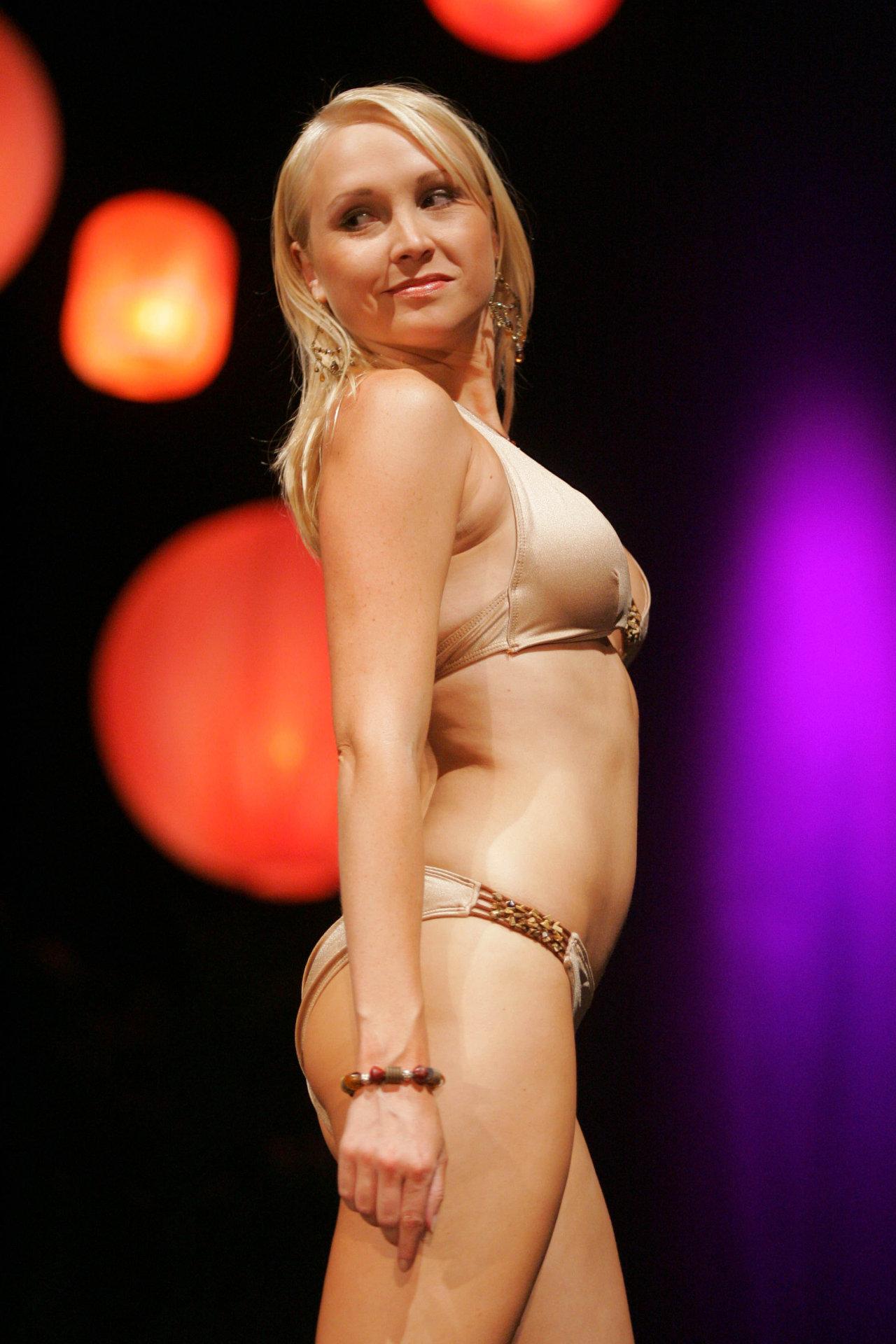 Алана Керри голая. Фото - 4