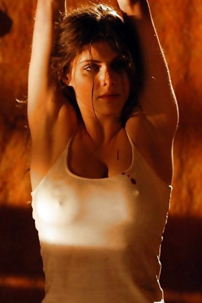 Alexandra Daddario nude. Photo - 24