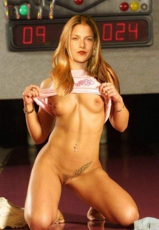 Эли Лартер голая. Фото - 23