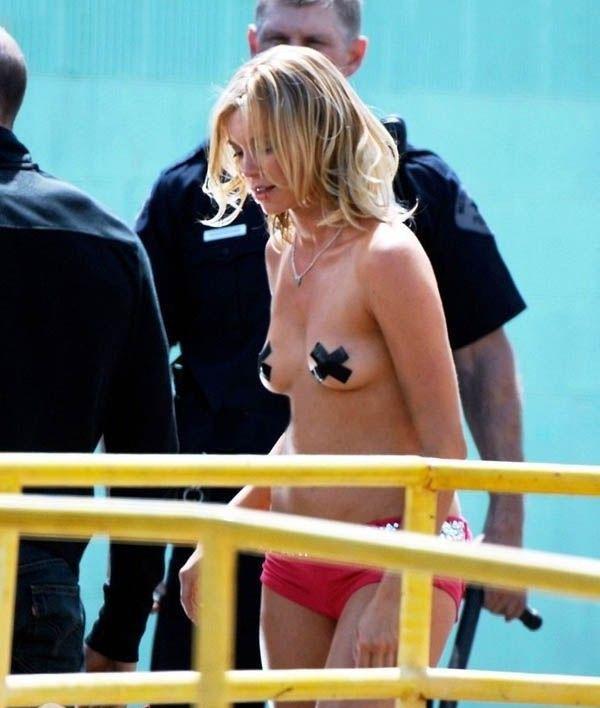 Эми Смарт голая. Фото - 4