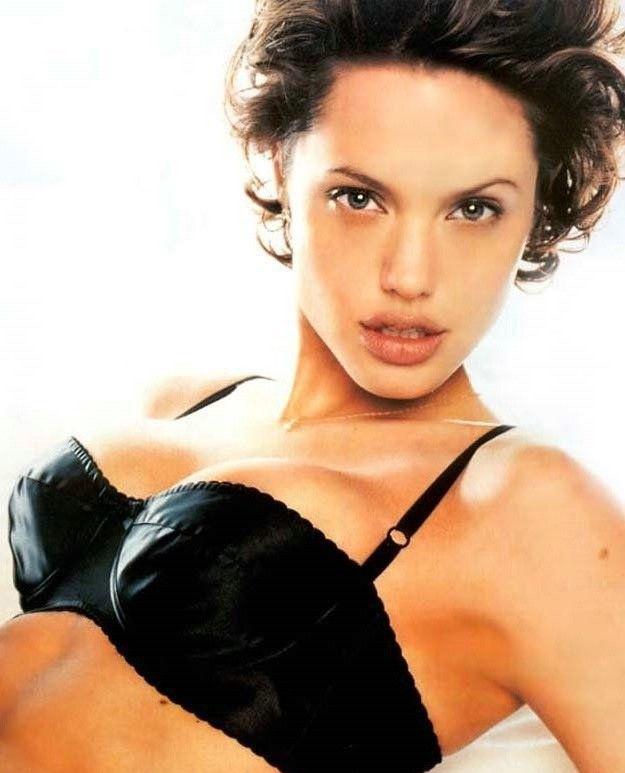 Angelina Jolie Nackt. Fotografie - 100
