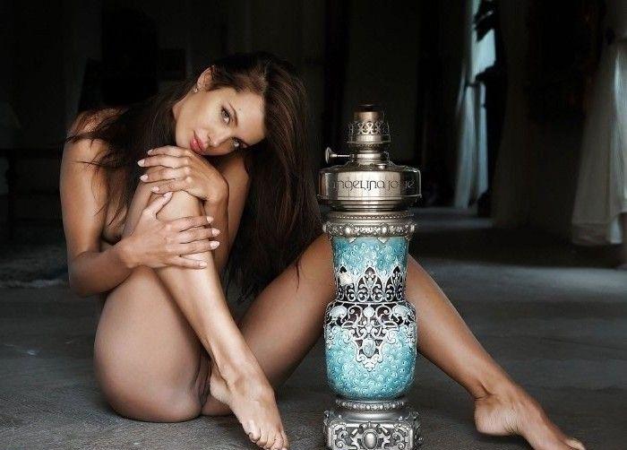 Angelina Jolie Nackt. Fotografie - 173