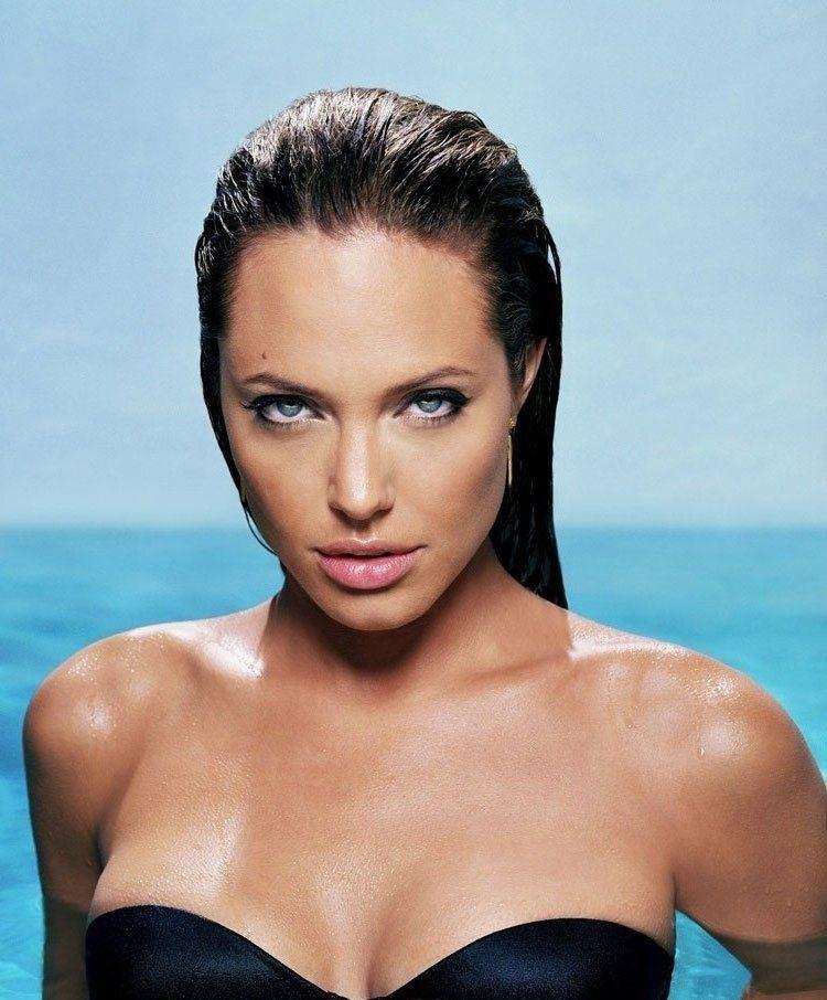 Angelina Jolie Nackt. Fotografie - 21