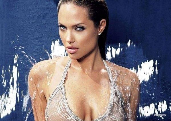 Angelina Jolie Nackt. Fotografie - 26